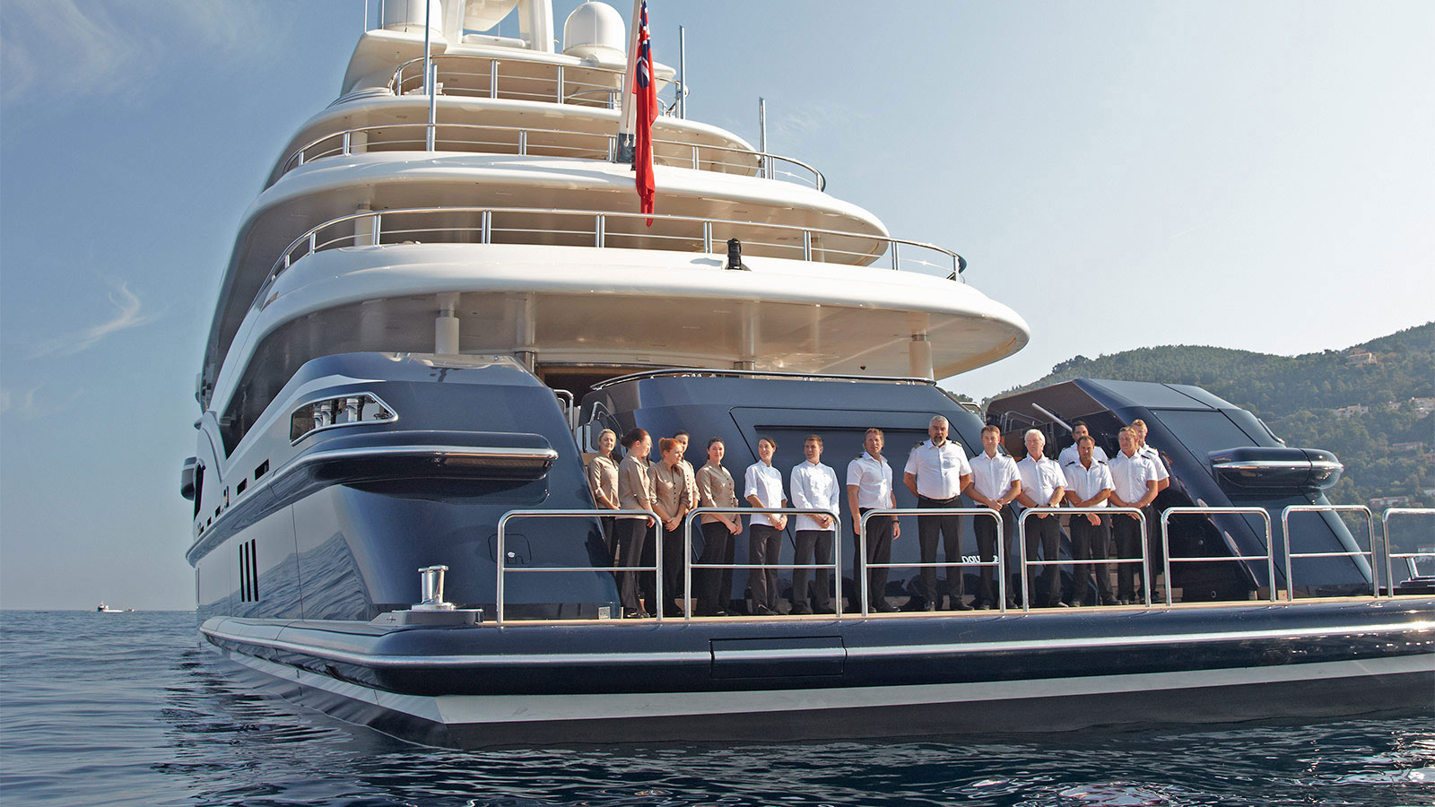 luxury yacht rental services