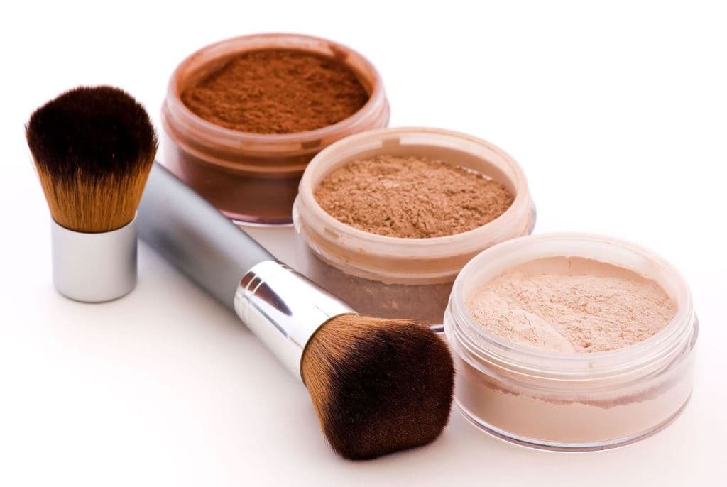 Things to look for when buying your very own mineral makeup kit